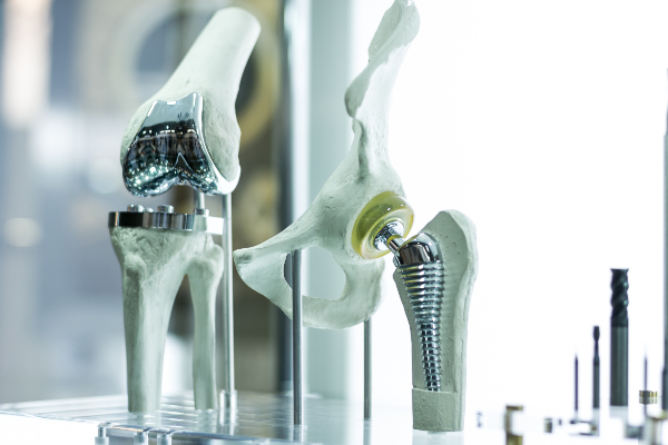 3d-printed-knee-and-hip-replacement-implants